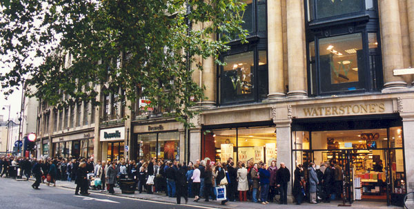 Queue outside Waterstone's